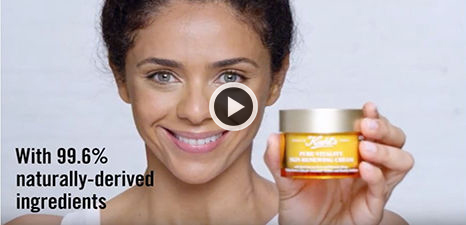 Comment appliquer Pure Vitality Skin Renewing Cream